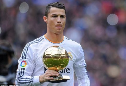 Cristiano Ronaldo sells his Ballon d'Or trophy to raise £530,000 for charity