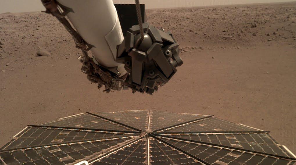 NASA diffonde il primo audio del vento registrato dal Lander InSight sul pianeta Marte.