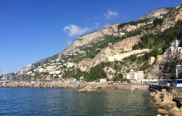 How to Pack for the Amalfi Coast