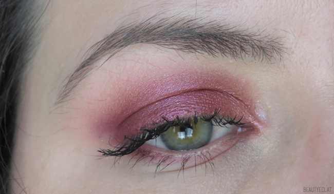 huda beauty the new nude exemple maquillage yeux verts