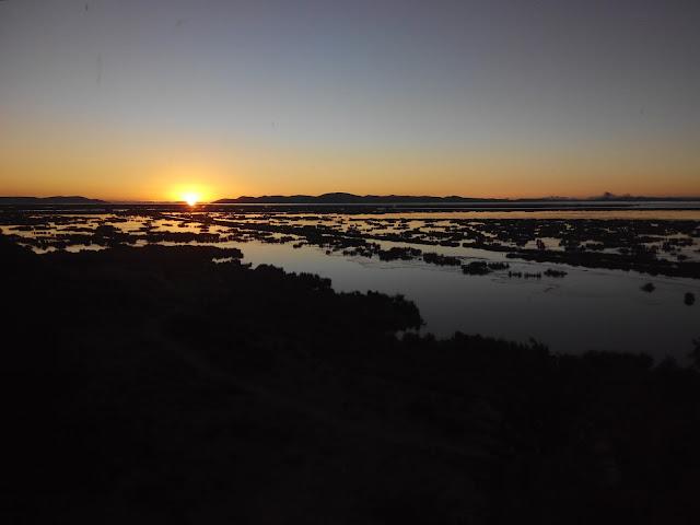 Amanecer en Lago Titicaca, Perú