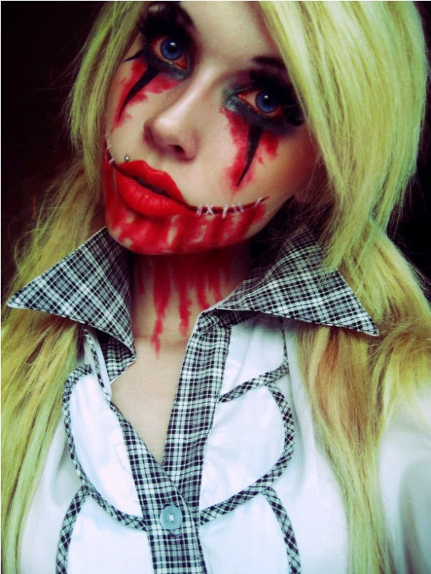 Halloween Scary Bloody Face Girl
