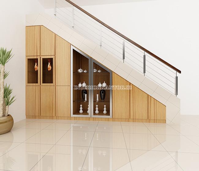 Desain interior tangga ruko oriental