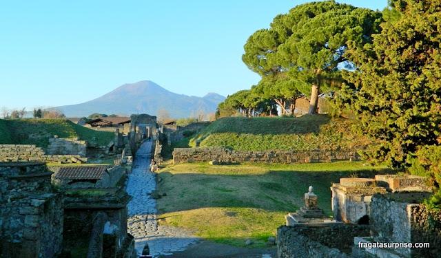 Muralhas de Pompeia e Porta Nocera