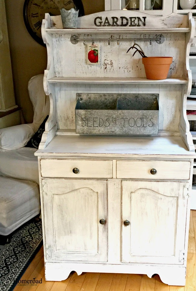 Chippy White Milk Painted Potting Bench  www.homeroad.net
