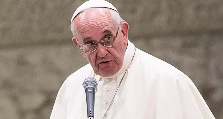 """Religioso pediu que família """"viva fielmente a condição de cristãos"""" - Reprodução"""