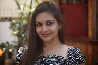 Prayaga-Martin-pava-actress-moviescue