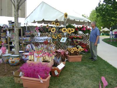 Washington-National-Cathedral-Flower-Mart