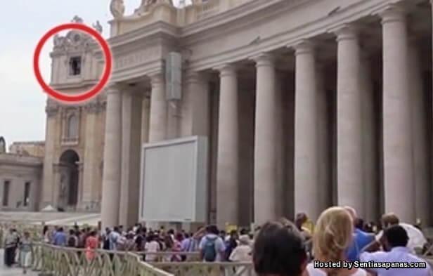 Hantu Terakam Di Vatican [2]