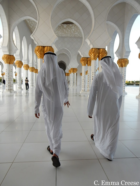 Abu Dhabi Grand Mosque: Visit the opulent and etheral architectural marvel