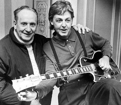 Foto de Les Paul junto a su amigo