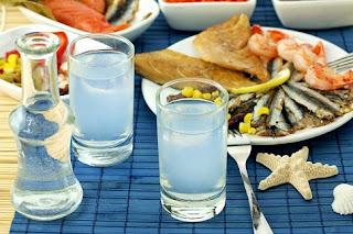 Το θαυματουργό ποτό των Ελλήνων.. καθαρίζει τις αρτηρίες , προστατεύει το συκώτι και