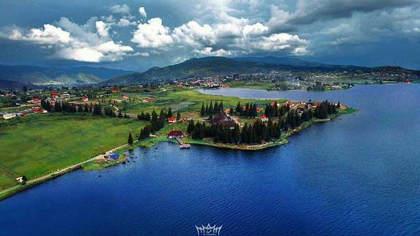 Objek Wisata Danau Kembar Solok