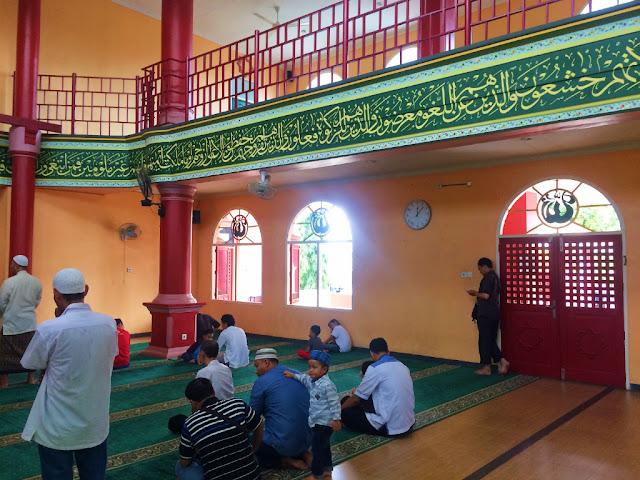 interior masjid chengho