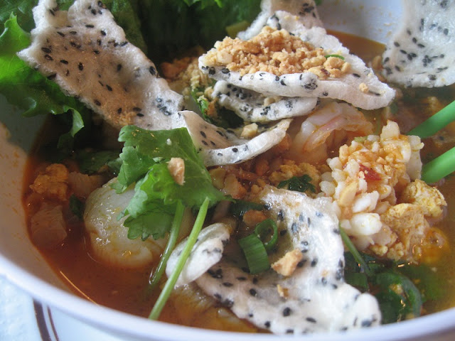 Street food and Vietnam's culinary paradise 2