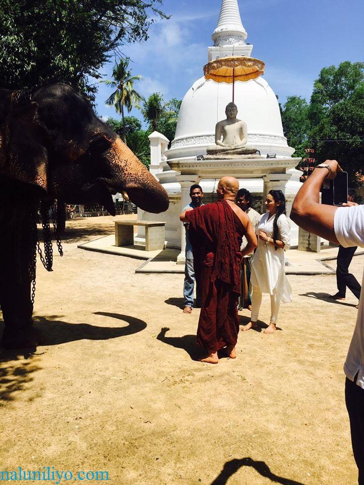 Janaki Wijerathne birthday Uduwe Dhammaloka Thero temple