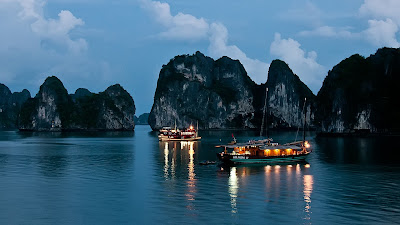 Explore the exciting nightlife in Halong Bay