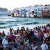 Τα ναι μεν αλλά του ελληνικού τουρισμού: Με ευοίωνες προβλέψεις αλλά και κρυμμένες παγίδες ο ελληνικός τουρισμός