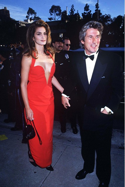 Cindy Crawford no Oscar 1991, com Richard Gere
