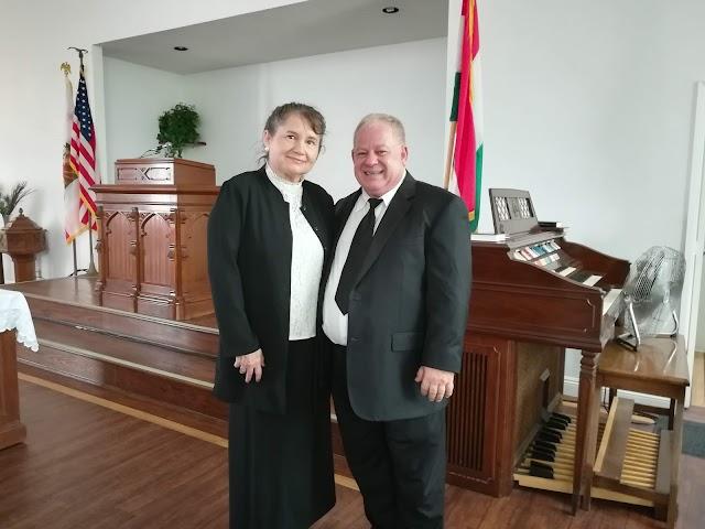 Úrvacsora az Új kenyér ünnepén Szabó Ildikó lelkipásztor vezetésével. Szent István napjának ünnepe