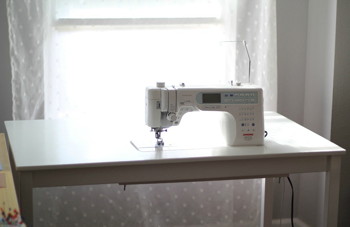 diy ikea ingo sewing table last minute geek. Black Bedroom Furniture Sets. Home Design Ideas