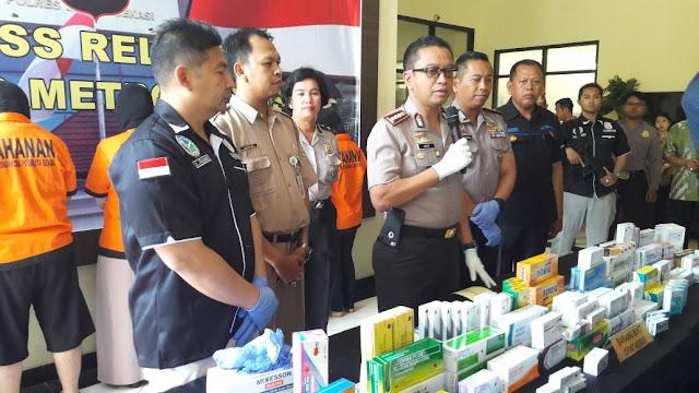 Kepolisian Resort Metro Bekasi Tangkap 6 Orang Terkait Obat Ilegal