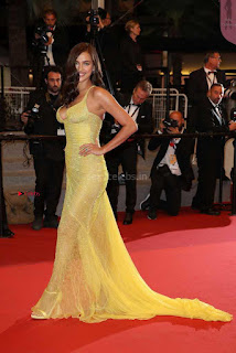 Irina+Shayk+Gets+Naughty+Exposing+her+full+boobs+at+the+Premiere+of+Hikari+at+Cannes+007.jpg