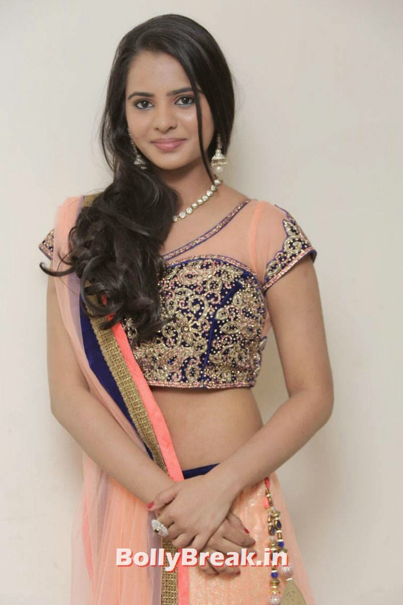 Manasa Photo Gallery, Actress Manasa hot Photos in Backless Choli & Lehenga
