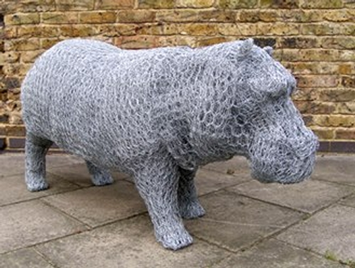09-Hippo-Barry-Sykes-Sculptures-of-Animals-in-Wire-www-designstack-co