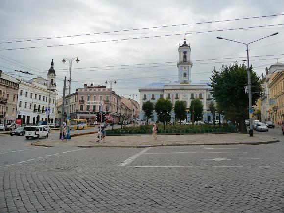 Черновцы. Центральная площадь – историческое ядро города