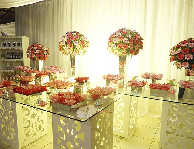 Decoração de festa de casamento, flores tons de rosa