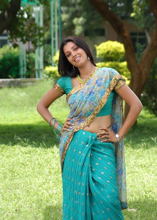 manjulika in saree