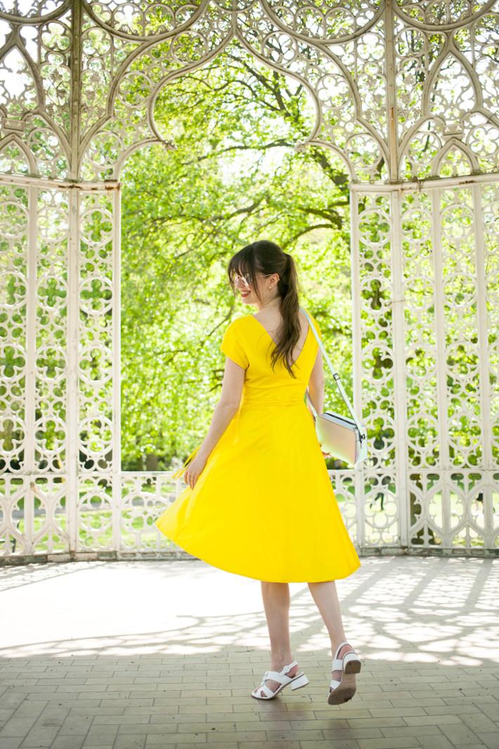 Outfit: vintage yellow dress, La La Land moment