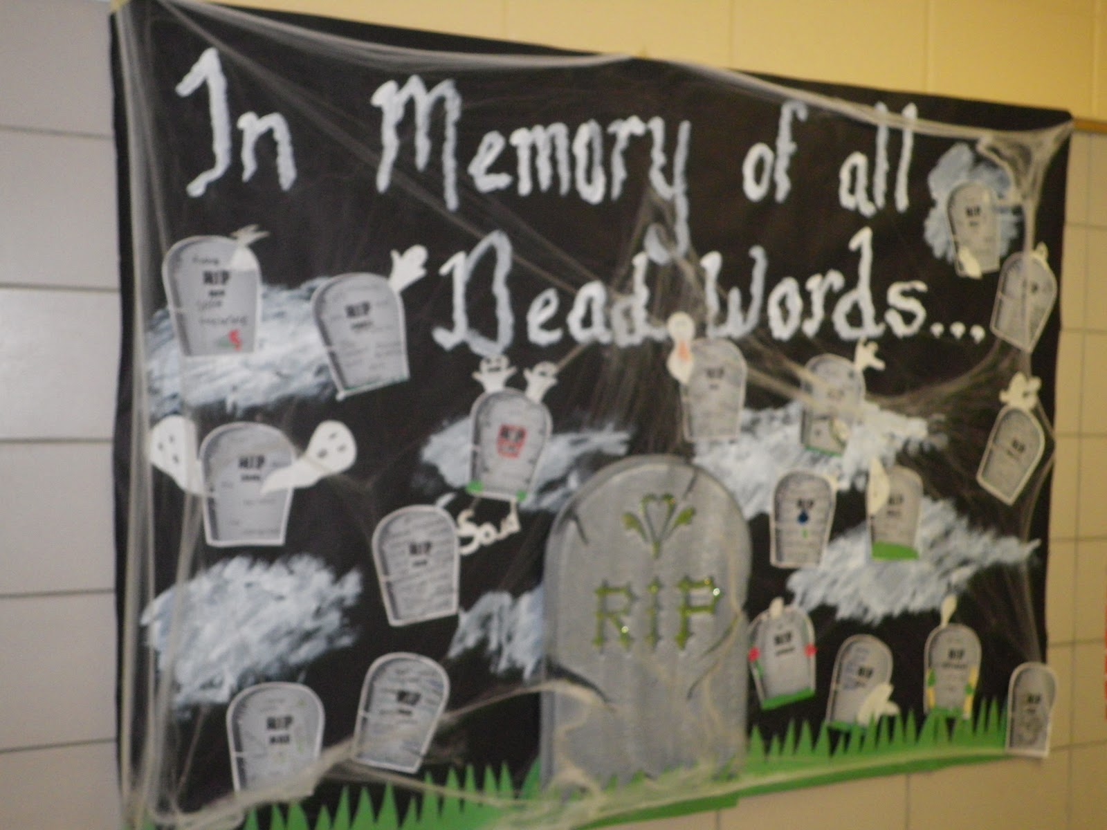 English Language Arts Classroom Decorations : Fabulous in fifth dead words