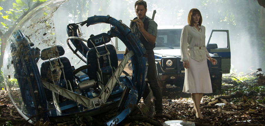 Chris Pratt şi Bryce Dallas Howard în filmul Jurassic World