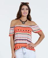 A ciganinha nada mais é que uma blusa com decote de ombro a ombro, também chamada de cigana