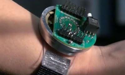 Un dispositiu que genera l'energia de les vibracions de baixa freqüència