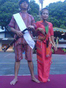 28Pakaian+Adat+Toraja