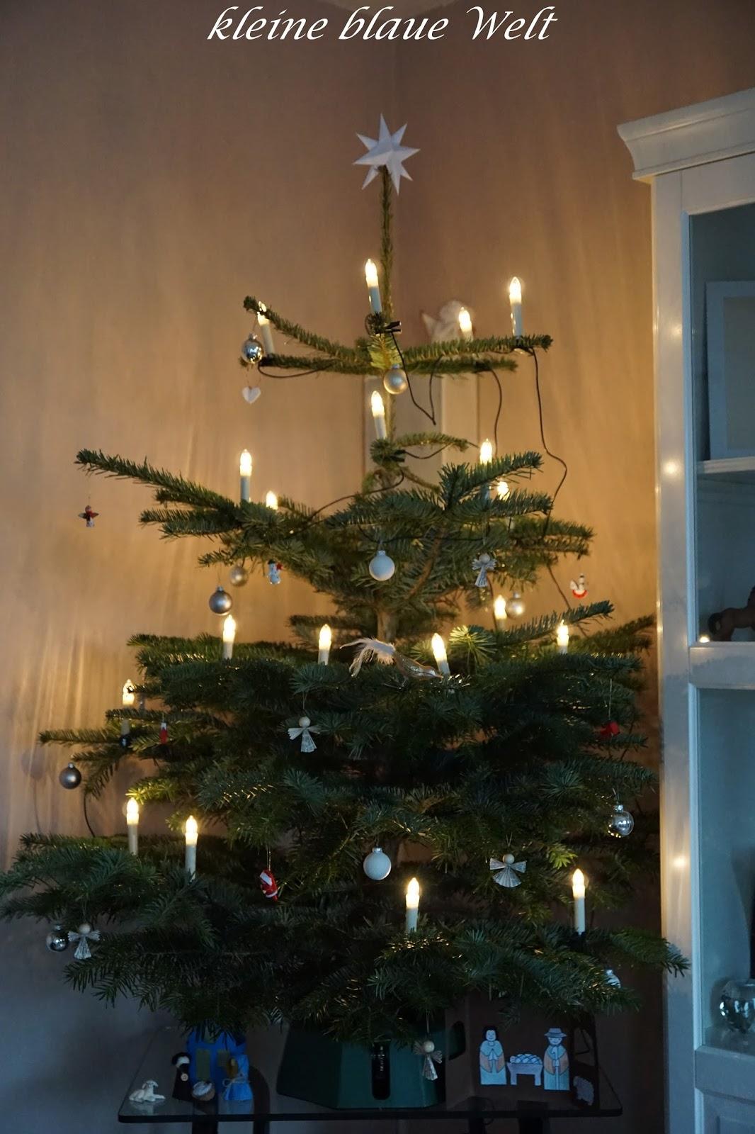 kleine blaue welt bunt ist die welt weihnachtsb ume. Black Bedroom Furniture Sets. Home Design Ideas