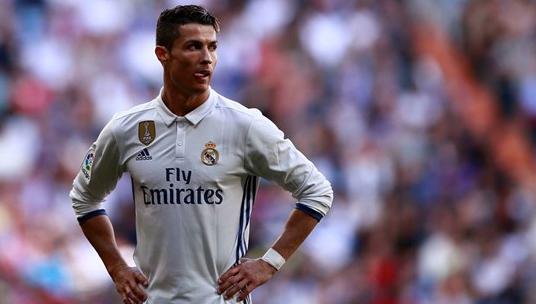 Nhưng niềm vui khi chơi bóng dường như đã không còn nơi Ronaldo, chỉ còn lại nhưng ganh đua và áp lực