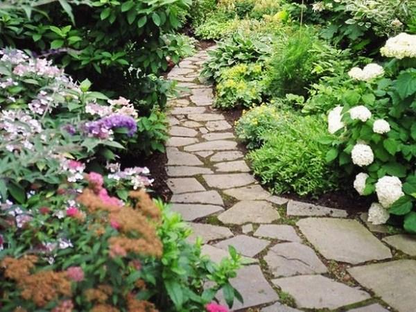 Garden Paths Exhibits A Distinct Atmosphere