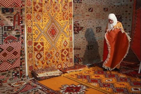 """معرض """"من يدنا"""" بالبيضاء يعيد الحياة إلى المنتجات المغربية الأصيلة"""