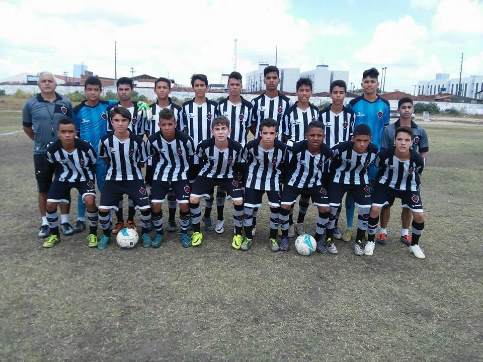 Estadual Infantil Sub-15 segue na continuidade do calendário da FPF no  futebol de base da Paraíba. Equipes profissionais e amadoras estão na luta  pelo ... af8fc357b5a1c