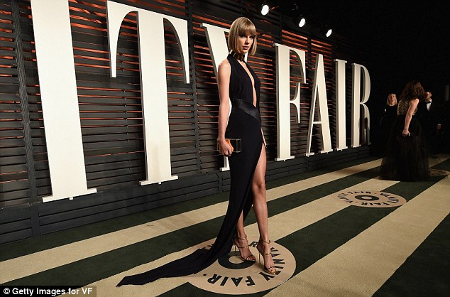 Taylor Swift oozes sexiness at the Vanity Fair Oscars Party
