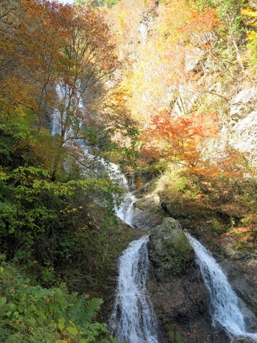 Karasawa Waterfall in autumn.