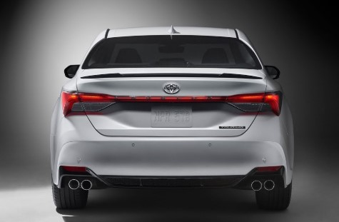 5 things buyers must know about the 2019 Toyota Avalon