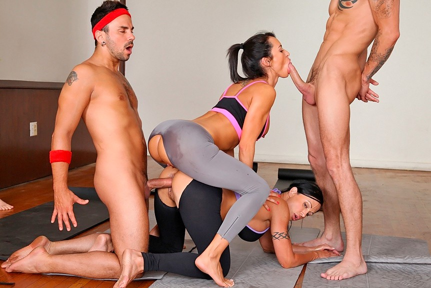 Sexy yoga fucking — photo 14