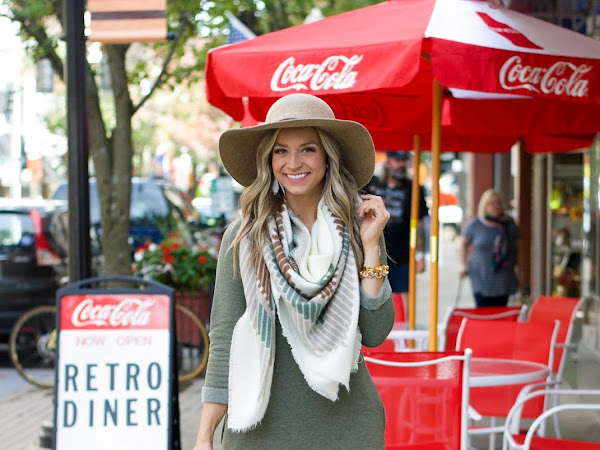 Sweatshirt Dress & Blanket Scarf