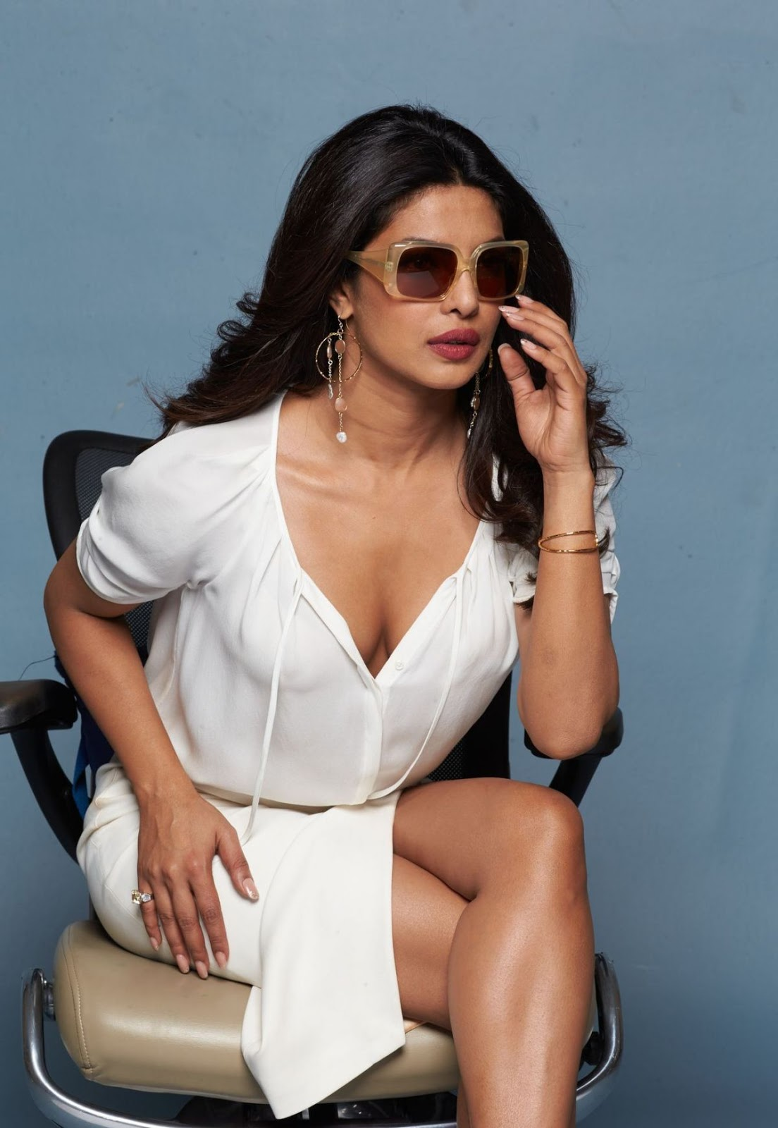 Priyanka Chopra Hot Boobs Show For Baywatch Promo  Krazy -9555