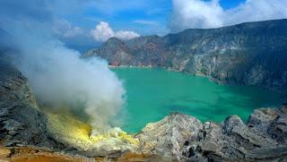 Mendaki Gunung Ijen Jawa Timur